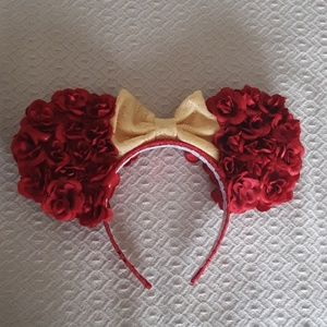 Minnie mouse flower and garden ears